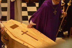 przygotowanie ciała do pogrzebu (3)